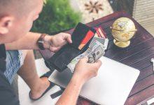 Najnowsze trendy w portfelach dla mężczyzn – co jest teraz popularne?